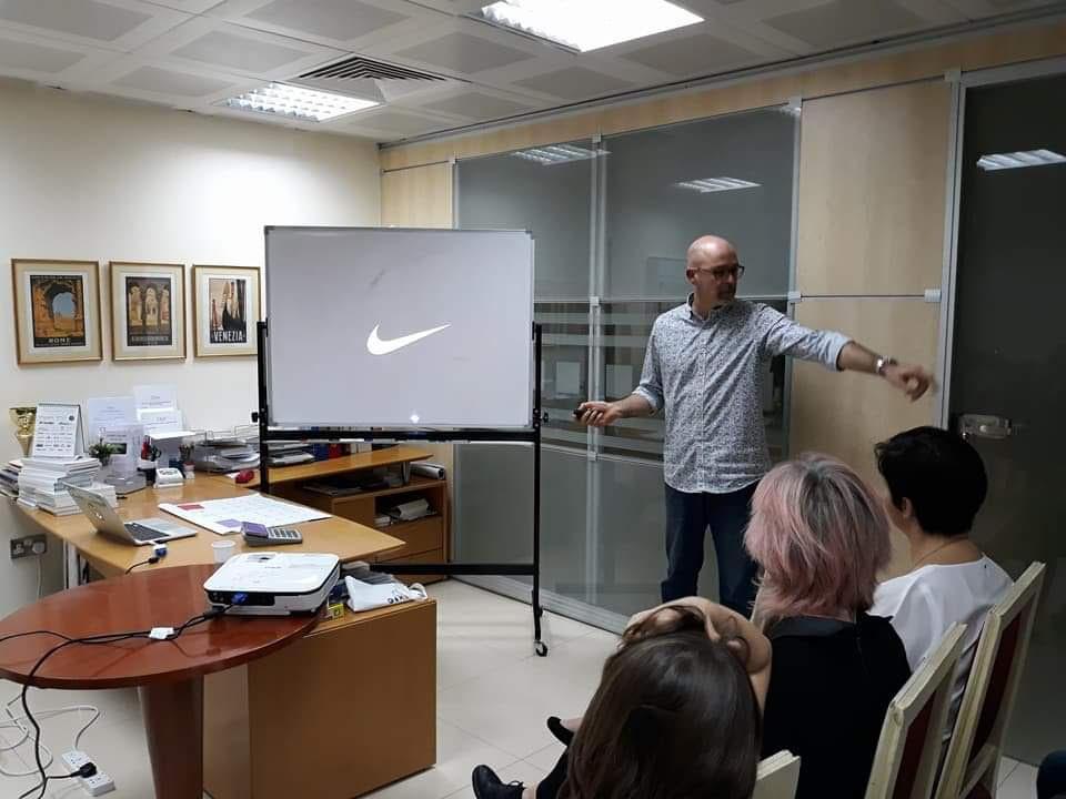 incontri in online Abu Dhabi idee di appuntamenti per il primo appuntamento